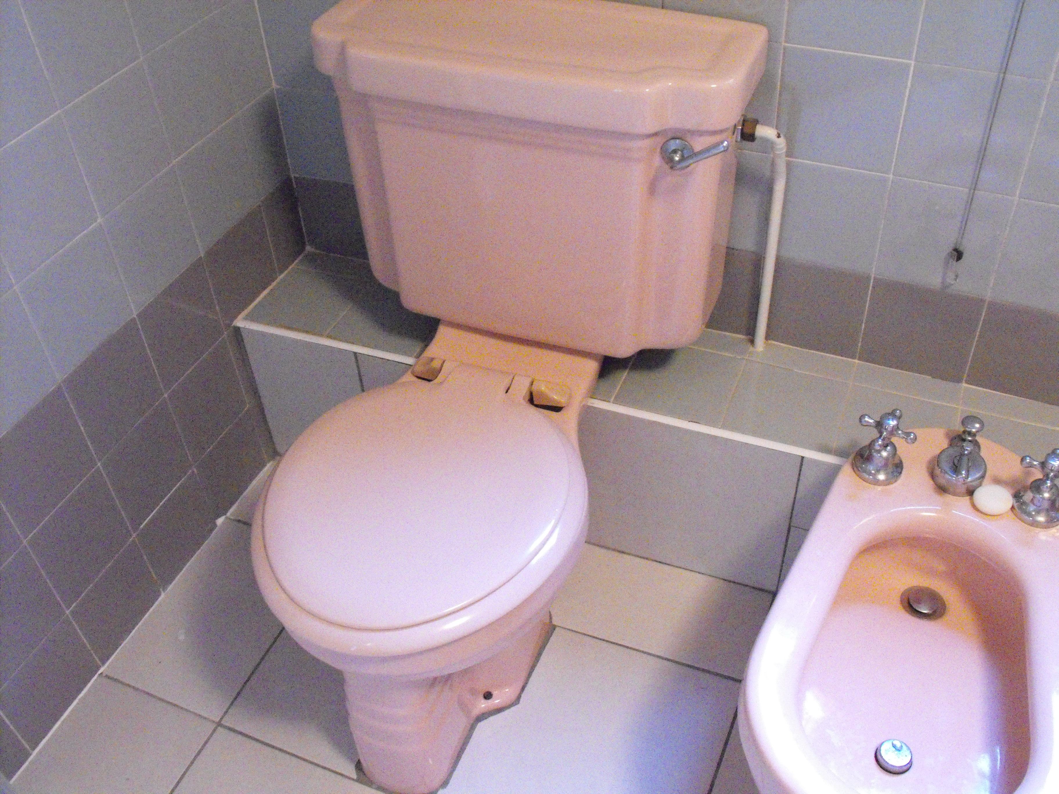 Coloured bathroom suites - For Very Little Money Bath Resurfacing Bath Re Enamelling Blog Coloured Bathroom Suites