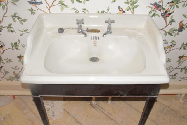 Hand Wash Basins With Pedestal